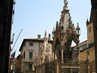 Túmulos da família Cangrande